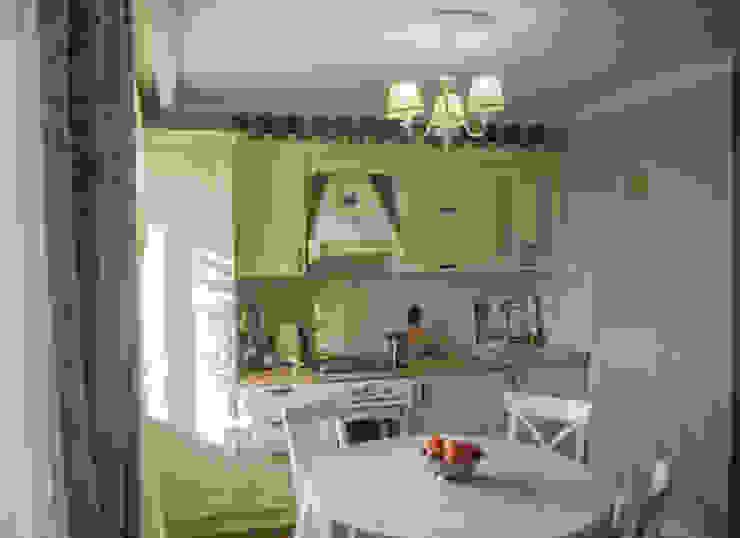 Гостиная-кухня в стиле Прованс в трехкомнатной квартире от Дизайн-студия интерьера и ландшафта 'Деметра' Кантри