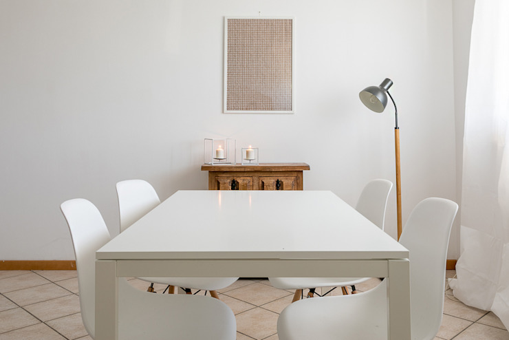Habitat Home Staging & Photography ห้องทานข้าวโต๊ะ White
