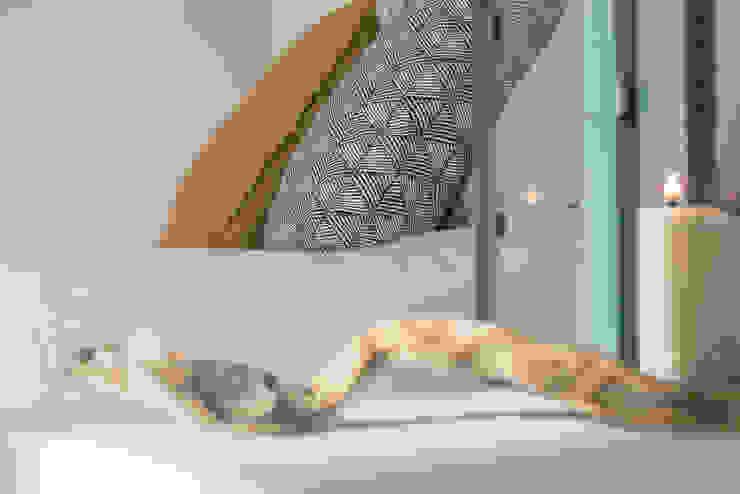 Habitat Home Staging & Photography ห้องนอนของแต่งห้องนอนและอุปกรณ์จิปาถะ Blue