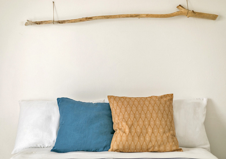 Habitat Home Staging & Photography ห้องนอนเตียงนอนและหัวเตียง Wood effect
