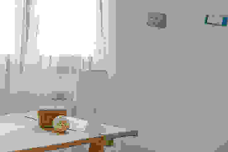 Habitat Home Staging & Photography ห้องอ่านหนังสือและห้องทำงานของตกแต่งและอุปกรณ์จิปาถะ Beige