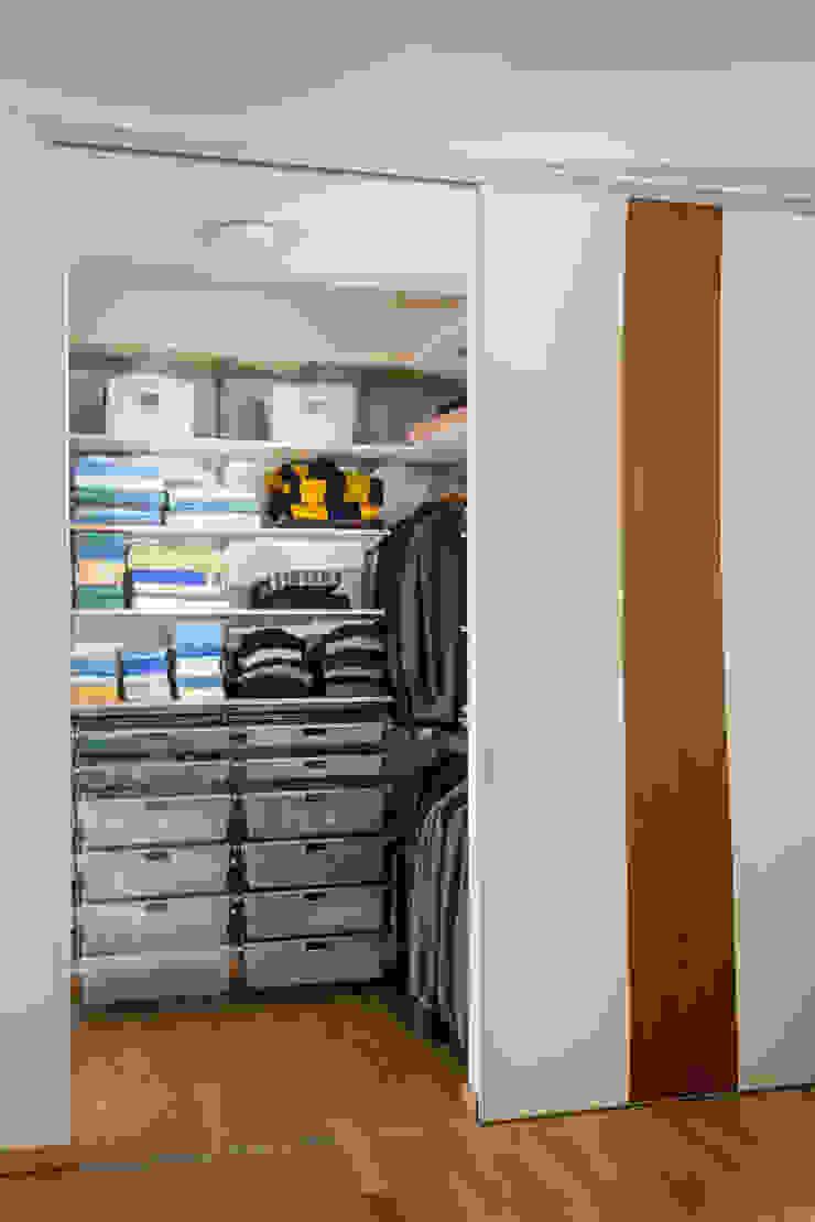 ASADA Schiebetüren und Möbel nach Maß - Ulrich Schablowsky Dressing roomWardrobes & drawers