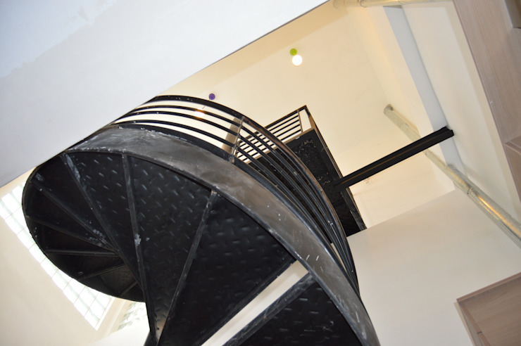 Stairs by Sinapsis Estudio, Modern