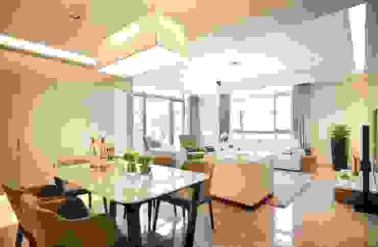 Herb HOUSE 现代客厅設計點子、靈感 & 圖片 根據 沐光植境設計事業 現代風 大理石