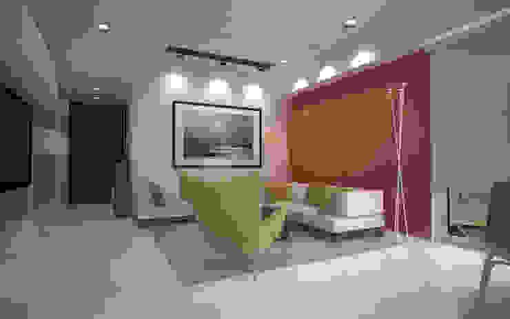 Sodhi Residence Minimalist living room by Studio Rhomboid Minimalist