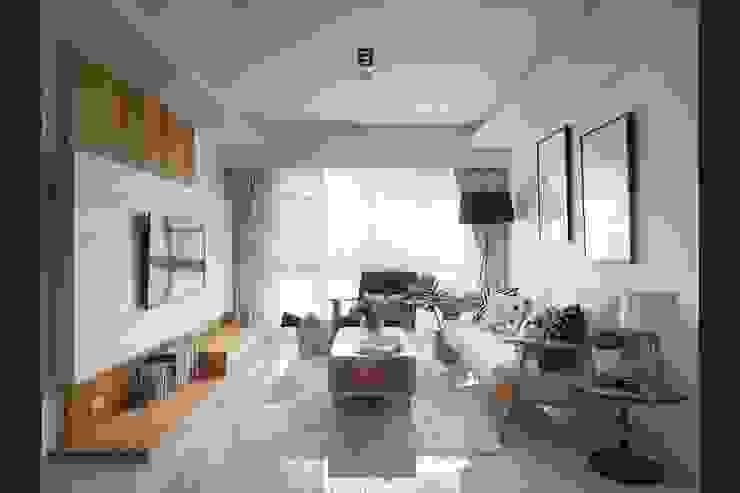 充足的自然採光與簡約木質家具最清新舒適的居家氛圍: 斯堪的納維亞  by M.W JOINTS |罕氏家居, 北歐風