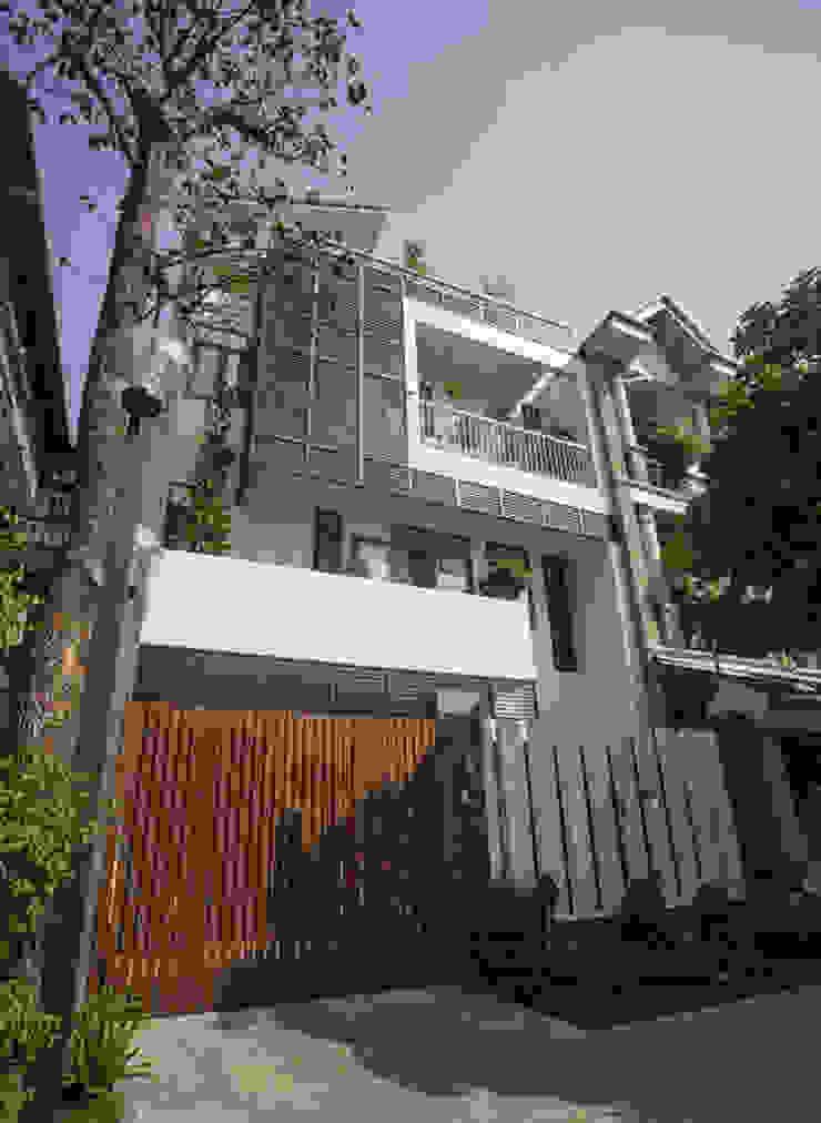 Mặt tiền ngôi nhà đẹp, độc đáo, mới lạ bởi Công ty TNHH Xây Dựng TM – DV Song Phát Hiện đại