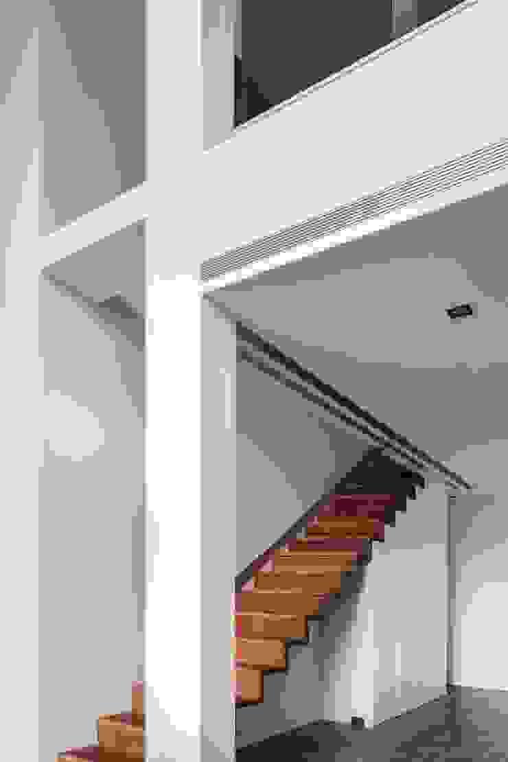 與大自然對話的智能家居 鈊楹室內裝修設計股份有限公司 樓梯