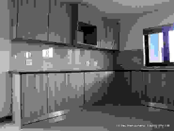Midrand Site 2 Modern kitchen by Drake Williams Decor Modern