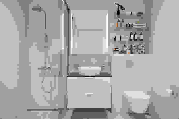 Квартира 42 кв.м. в современном стиле в ЖК Водный. Ванная комната в стиле минимализм от Студия архитектуры и дизайна Дарьи Ельниковой Минимализм