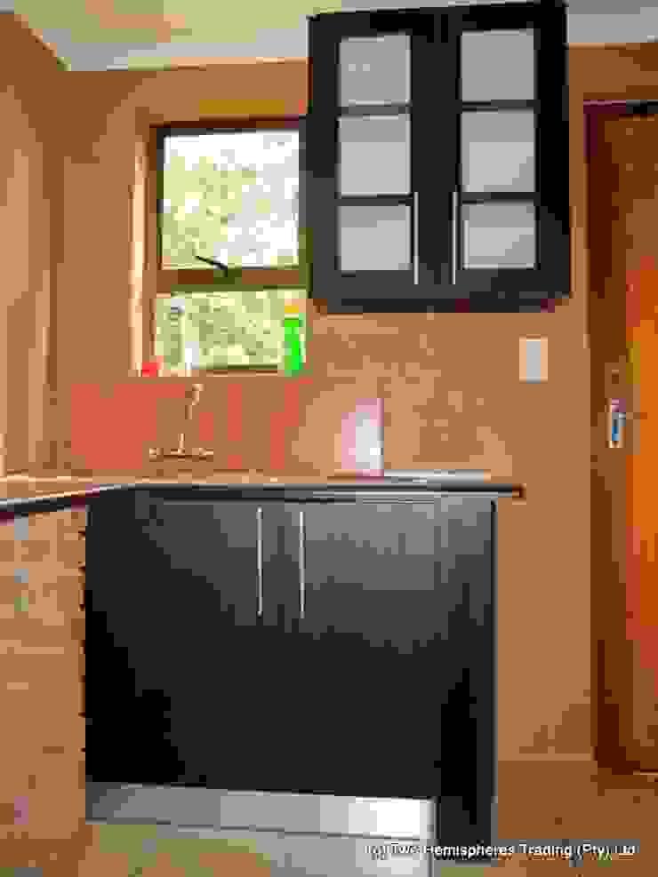 Edenvale Site 1 Modern kitchen by Drake Williams Decor Modern