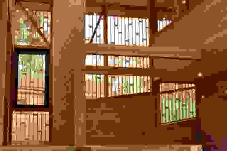 Celosia Salones de estilo moderno de PhilippeGameArquitectos Moderno