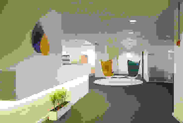 Oficinas CCT by Abrils Studio Modern