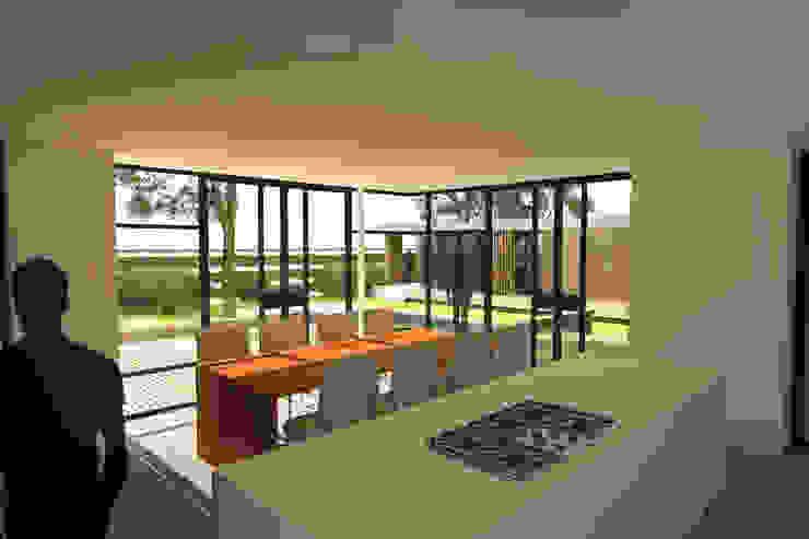 Revitalisatie en uitbouw van een monumentale villa van Thomas Architecten