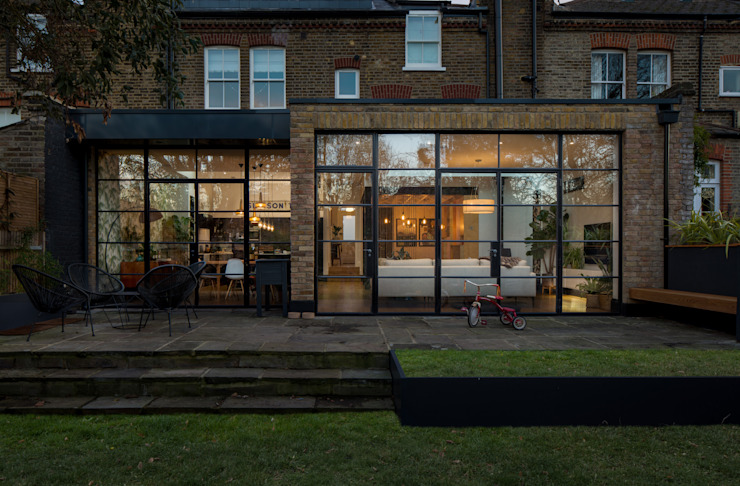 Rear facade Rumah Modern Oleh TAS Architects Modern