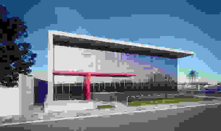 Edificação Comercial - Perspectiva 02 por Marcos Assmar Arquitetura | Paisagismo