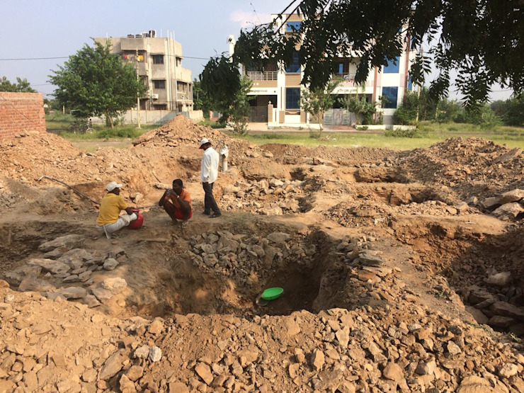 Excavation for isolated footings by Cfolios Design And Construction Solutions Pvt Ltd Modern Concrete