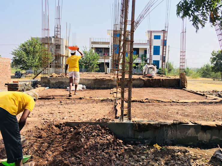 Plinth filling and levelling by Cfolios Design And Construction Solutions Pvt Ltd Modern