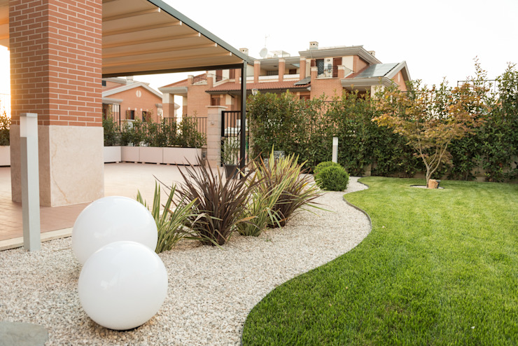 Modern style gardens by AbitoVerde Modern