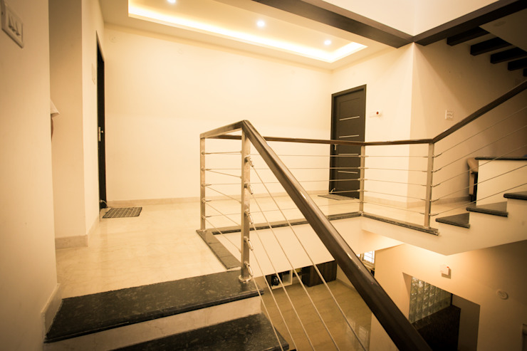 Staircase Modern corridor, hallway & stairs by homify Modern