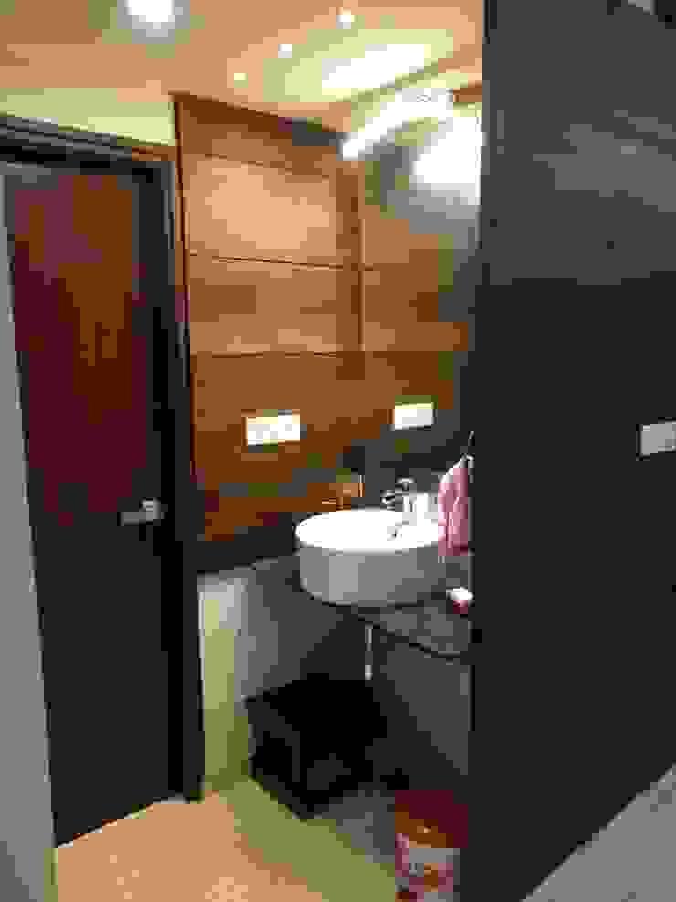 SPACEEDGE INTERIOR Modern bathroom by SpaceedgeInterior Modern