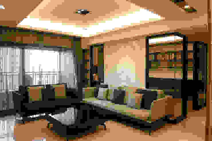 住宅設計-大樓 现代客厅設計點子、靈感 & 圖片 根據 沐築空間設計 現代風