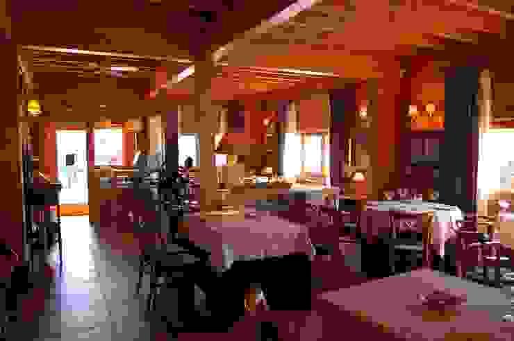 Mediterranean style gastronomy by EC-BOIS Mediterranean Solid Wood Multicolored