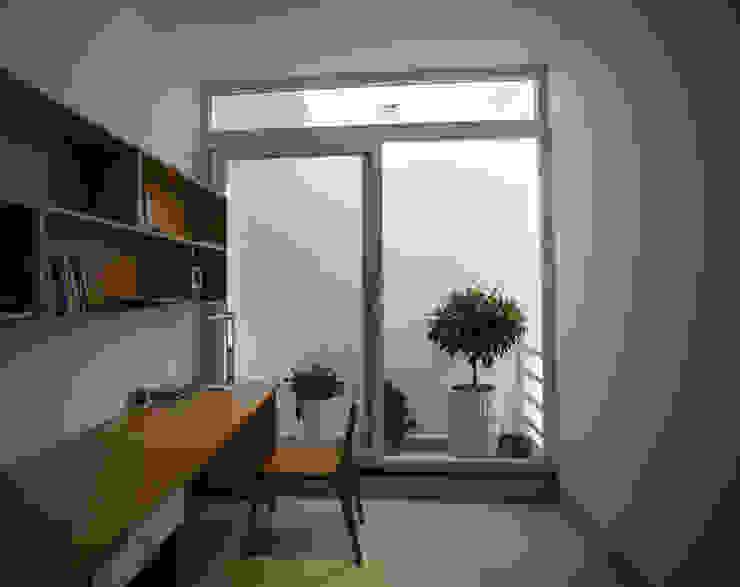 Mẫu Thiết Kế Nhà 4 Tầng 8x12m Hướng Tây Luôn Mát Mẻ Ở Gò Vấp Phòng học/văn phòng phong cách hiện đại bởi Công ty TNHH Xây Dựng TM – DV Song Phát Hiện đại