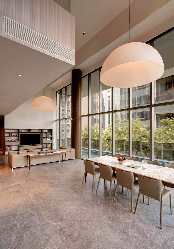 Lofty Ideals Apartment at Leedon Residence Modern dining room by Lim Ai Tiong (LATO) Architects Modern