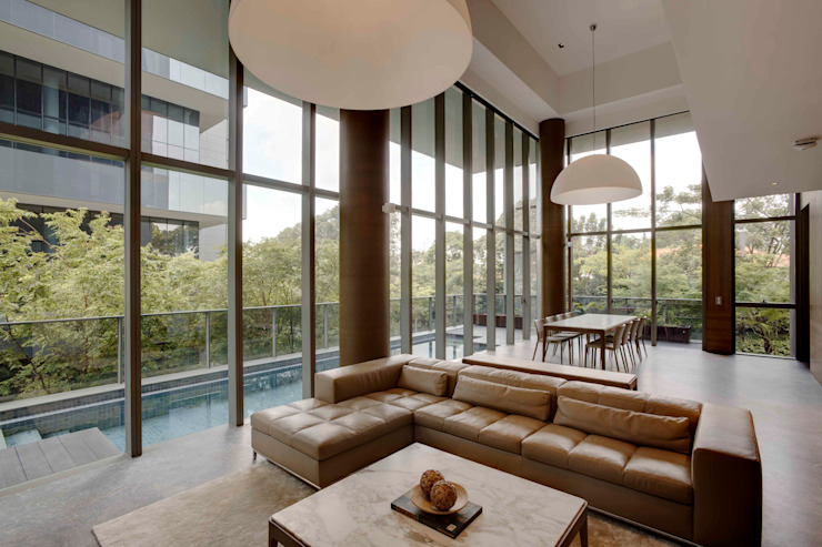 Lofty Ideals Apartment at Leedon Residence Modern living room by Lim Ai Tiong (LATO) Architects Modern