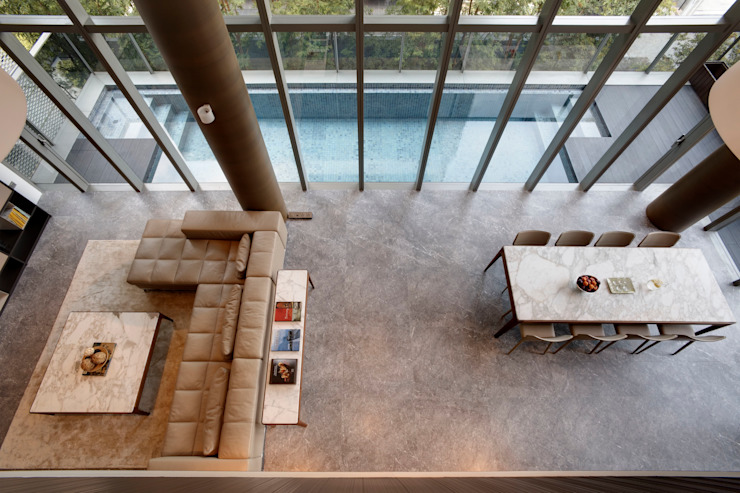 Lofty Ideals Apartment at Leedon Residence Modern pool by Lim Ai Tiong (LATO) Architects Modern