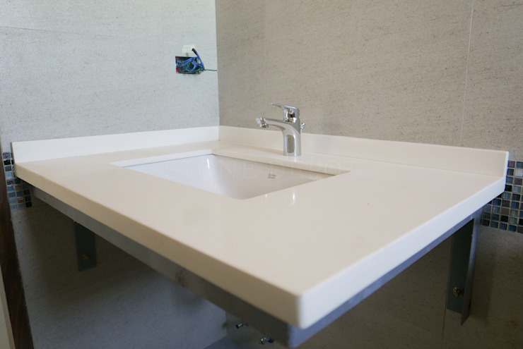 Moonstone Quartz Bathroom Counter in Guadalupe, Cebu Modern bathroom by Stone Depot Modern