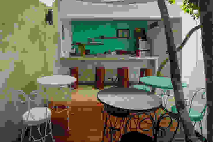 Hotel Turquesa de Hipercubo Arquitectura