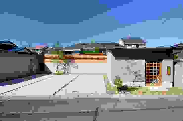 外観 ツジデザイン一級建築士事務所 オリジナルな 家 コンクリート 灰色