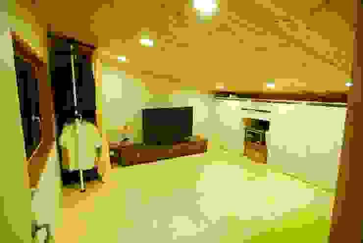 고산 주택 모던스타일 미디어 룸 by 루아건축사사무소 모던