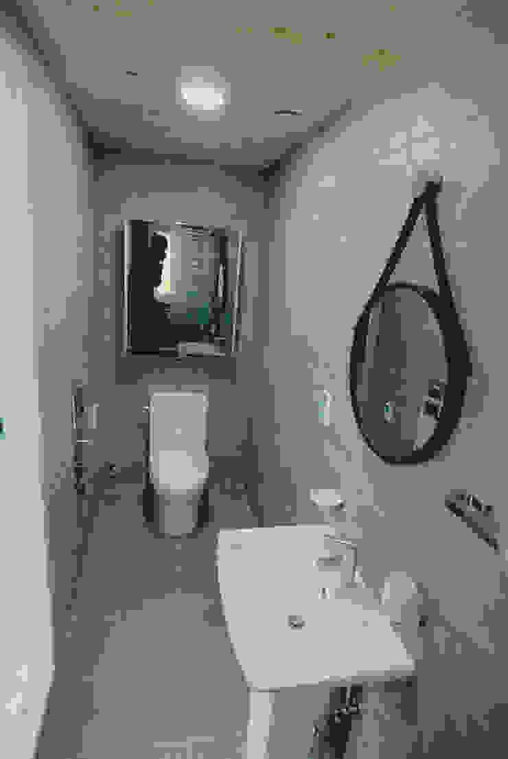 금산 별무리 모던스타일 욕실 by 루아건축사사무소 모던