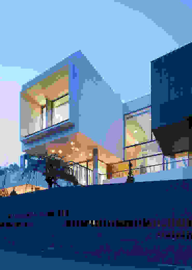 커스토마이집 (과천 단독 주택) 모던스타일 주택 by L'eau Design 모던