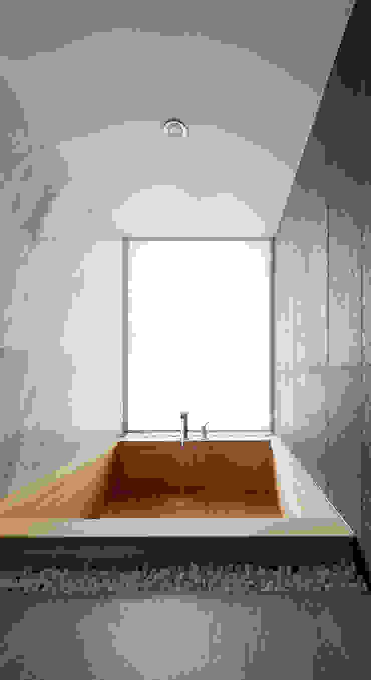 커스토마이집 (과천 단독 주택) 모던스타일 욕실 by L'eau Design 모던