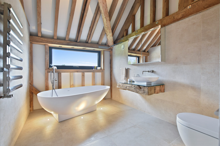 Case Study: Seven Stars Barn, Berkshire BathroomsByDesign Retail Ltd Bagno minimalista