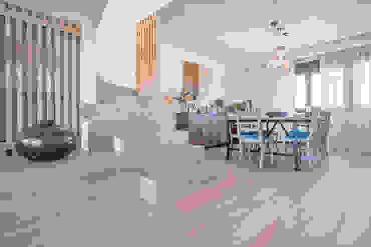 Stairs by Tarimas de Autor, Modern لکڑی Wood effect