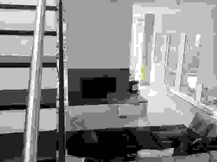 6' Eng White Oak Stairs Modern Living Room by Shine Star Flooring Modern
