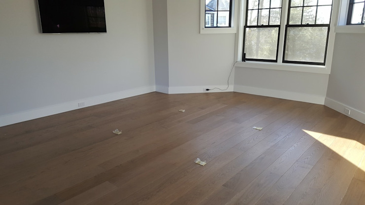 Pre-finished White Oak Modern Living Room by Shine Star Flooring Modern