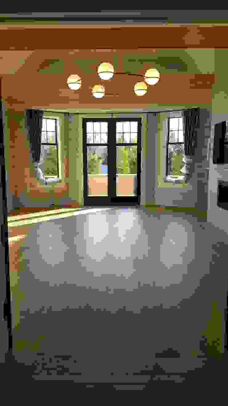 Pre-finished White Oak Modern Dining Room by Shine Star Flooring Modern