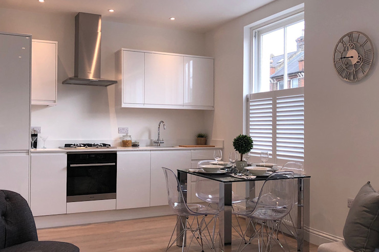 Cafe Style Shutters in a Kitchen Plantation Shutters Ltd KitchenAccessories & textiles Kayu White