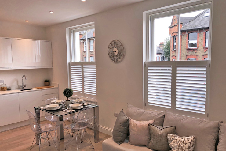 Cafe Style Shutters in a Dining Room/Kitchen Plantation Shutters Ltd Dining roomAccessories & decoration Kayu White