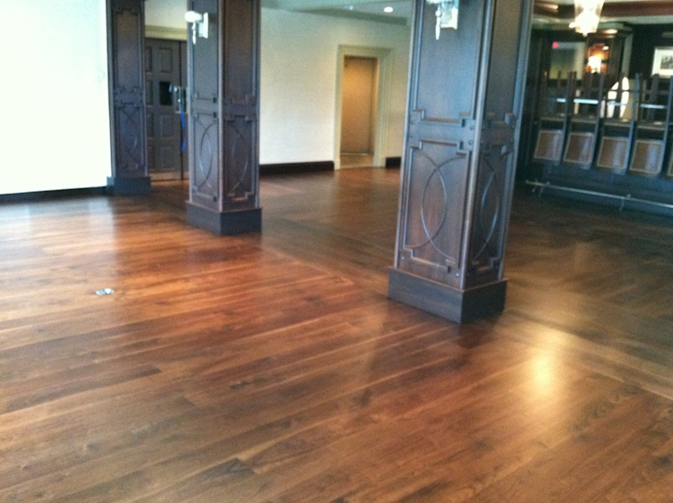 American Walnut Classic style dining room by Shine Star Flooring Classic