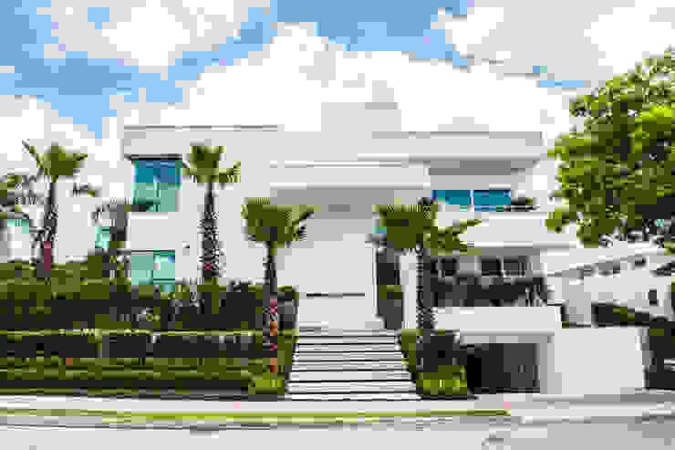 Rosas Arquitetos Associados Single family home White