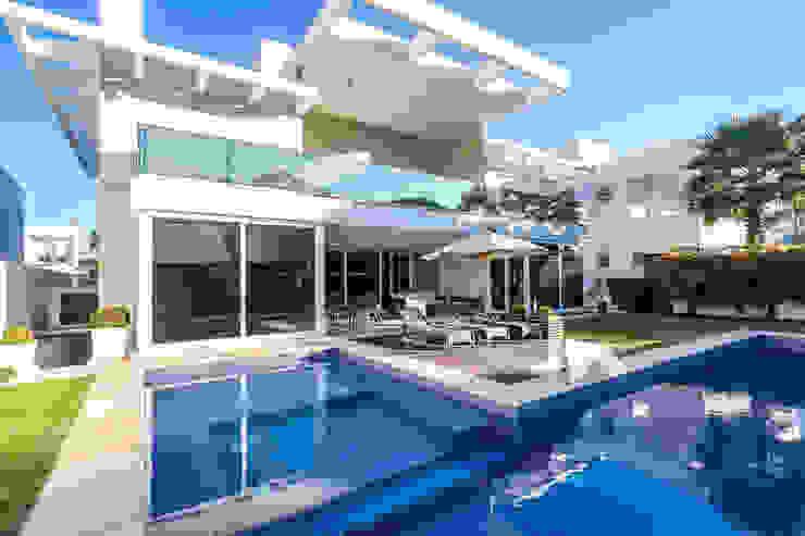 Rosas Arquitetos Associados Single family home