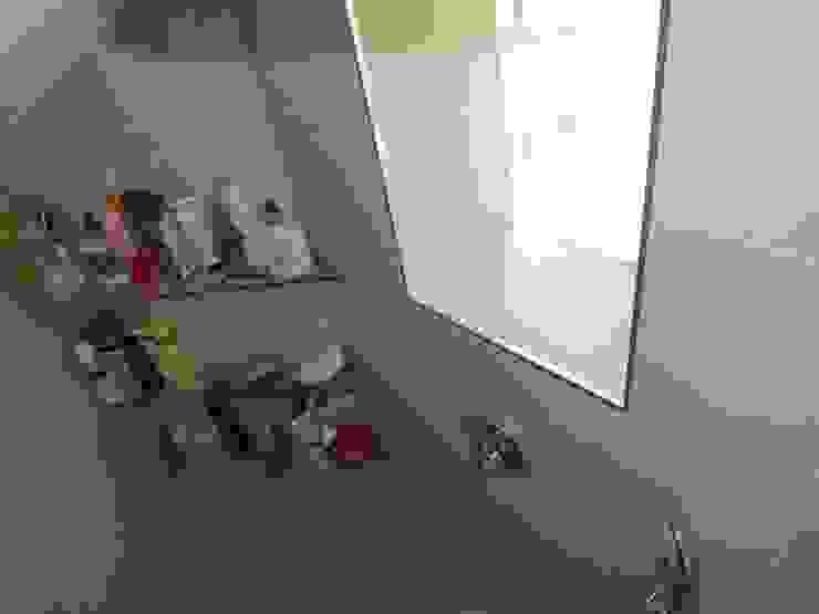 Reforma de baño contemporáneo Almudena Madrid Interiorismo, diseño y decoración de interiores Baños de estilo moderno Cerámico Beige