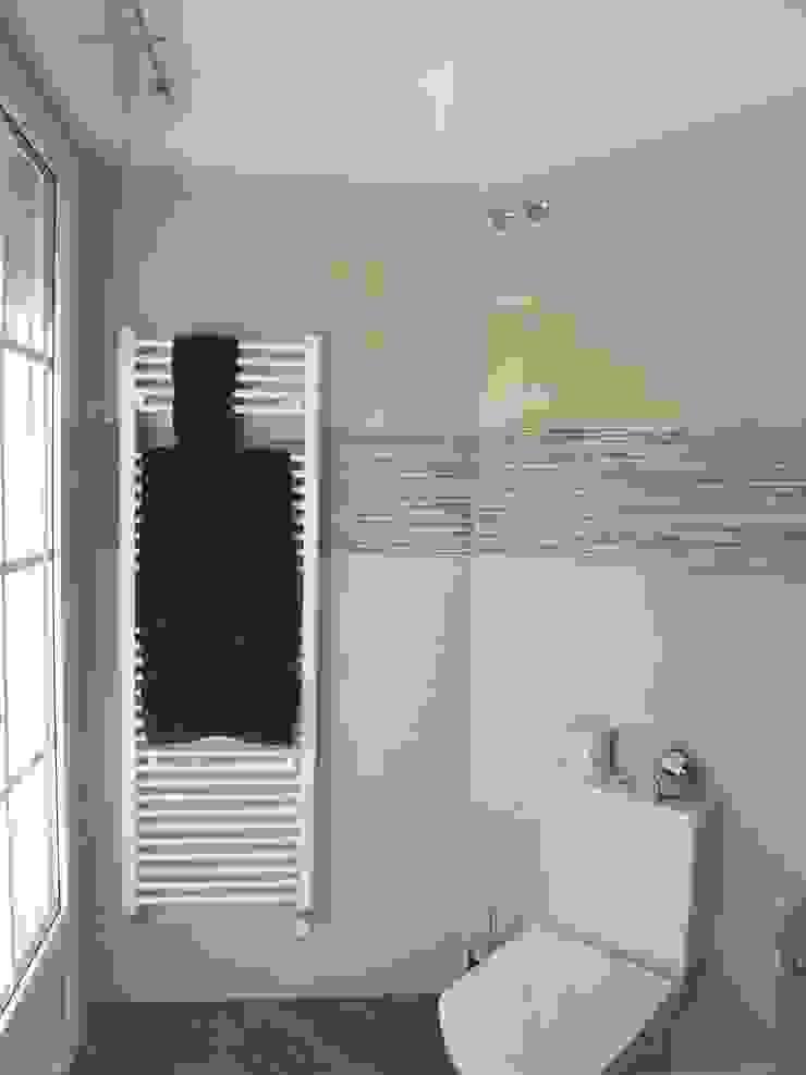 Reforma de baño contemporáneo Almudena Madrid Interiorismo, diseño y decoración de interiores Baños de estilo moderno Azulejos Beige